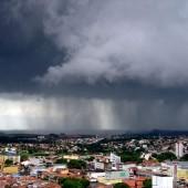 Zdjęcie intensywnego deszczu