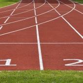 Bieżnia na stadionie - fot. pixabay.com (domena publiczna)