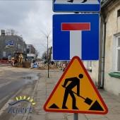 Znak drogowy - roboty na drodze