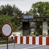 Zamknięta ul. Łódzka w okolicy wiaduktu kolejowego