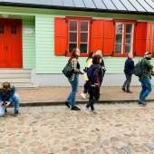 Uczestnicy spaceru w Mieście Tkaczy